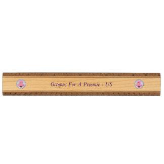 Poulpe de règle en bois solide pour un Preemie -