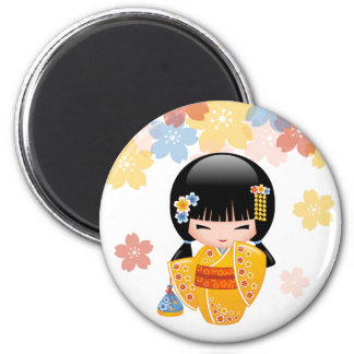 Poupée de Kokeshi d'été - fille de geisha jaune de Magnet Rond 8 Cm