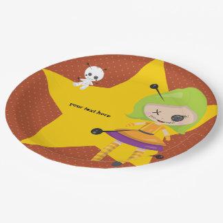 Poupée de vaudou - choisissez la couleur d'arrière assiettes en papier