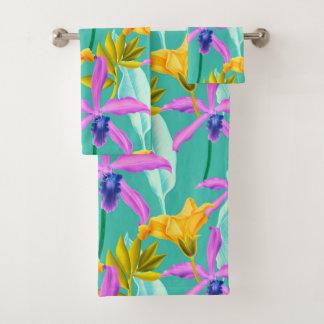Pourpre et orchidées d'or sur l'Aqua