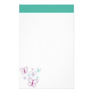 Pourpre et papillons de turquoise papier à lettre personnalisable