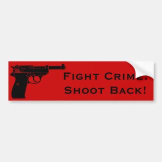 Pousse de crime de combat de retour avec le pistol autocollant pour voiture