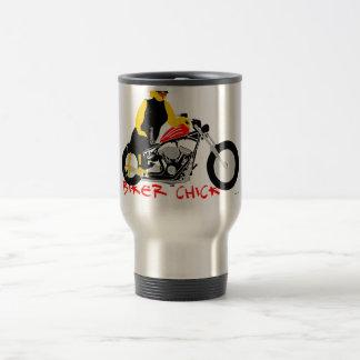 POUSSIN de CYCLISTE se penchant contre son Harley Mug De Voyage En Acier Inoxydable