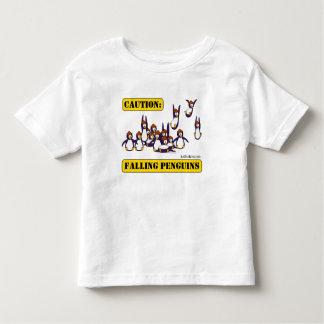 Précaution : Pingouins en baisse T-shirt