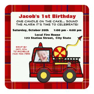Premier plaid d'anniversaire de camion de pompiers invitations personnalisables