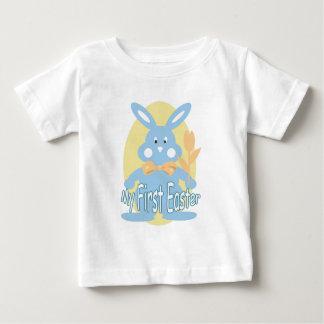 Premier T-shirt bleu de bébé de lapin de Pâques