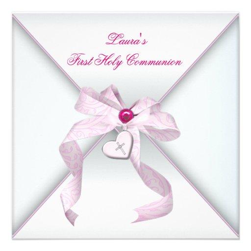 Première communion de coeur de croix de rose rose  cartons d'invitation personnalisés