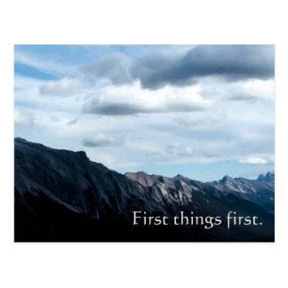 Première de choses carte postale de slogan de