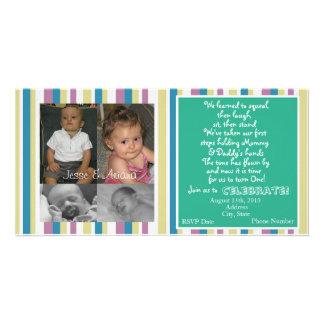 Première invitation d'anniversaire de jumeaux modèle pour photocarte