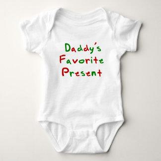Présent du favori de la maman et du papa t-shirts