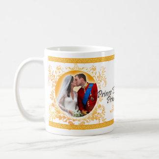 Prince William et tasse de baiser de mariage de