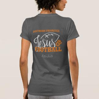 Priorités du sud : Jésus et T-shirt du football