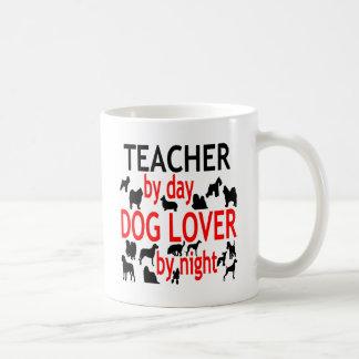 Professeur d'amoureux des chiens en rouge mug blanc