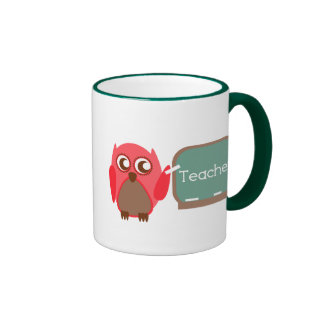 Professeur rouge de hibou au tableau mug ringer