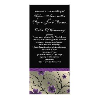 programme floral violet et noir en ivoire de
