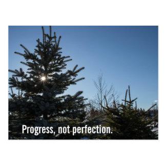 Progrès, pas perfection - slogan de récupération carte postale