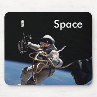 Promenade de l'espace d'astronaute tapis de souris