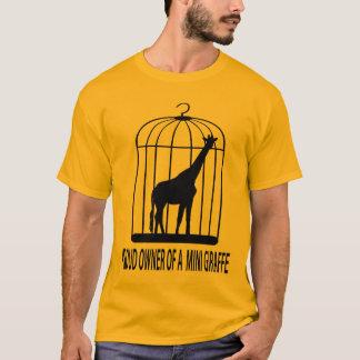 Propriétaire fier d'une mini girafe t-shirt