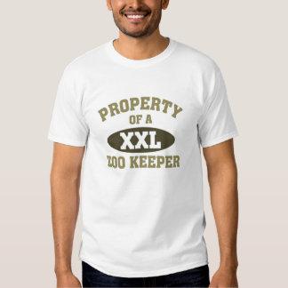 Propriété d'un gardien de zoo t-shirt