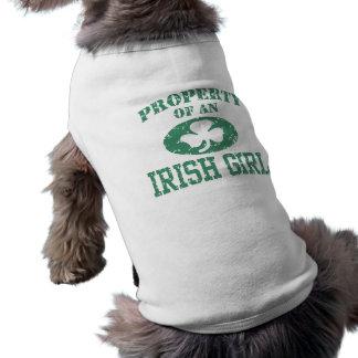 Propriété d'une fille irlandaise t-shirt pour chien