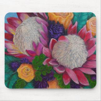 Proteas géants et roses oranges tapis de souris
