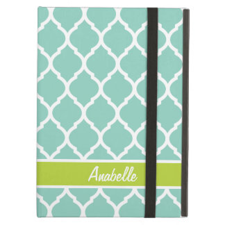 Protection iPad Air Aqua et monogramme vert de Quatrefoil