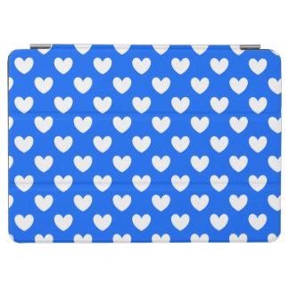 Protection iPad Air Coeurs blancs de polka sur le bleu