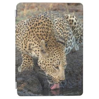 Protection iPad Air Eau potable de léopard