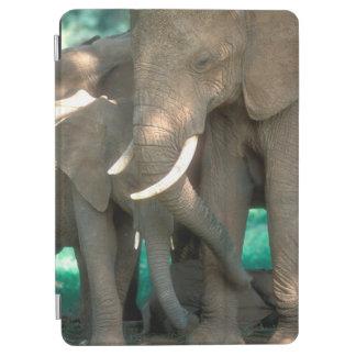 Protection iPad Air Éléphants protégeant des jeunes