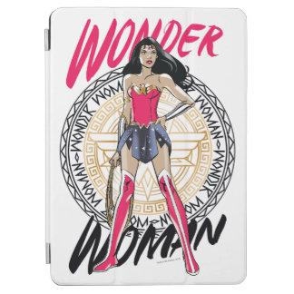 Protection iPad Air Femme de merveille avec l'emblème tribal grec