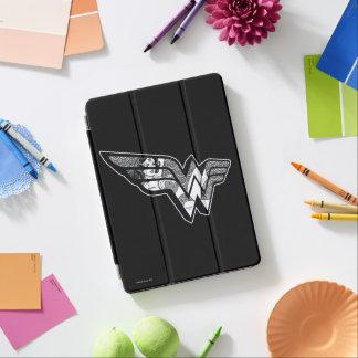Protection iPad Air Femme de merveille s'asseyant dans le logo à
