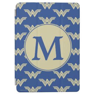 Protection iPad Air Motif de logo de femme de merveille de monogramme