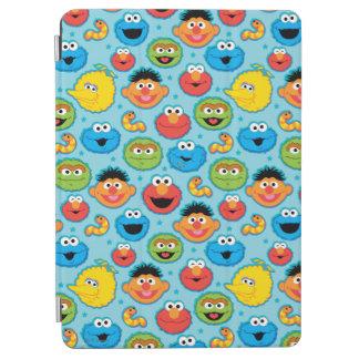 Protection iPad Air Motif de visages de Sesame Street sur le bleu