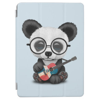 Protection iPad Air Panda de bébé jouant la guitare dominicaine de