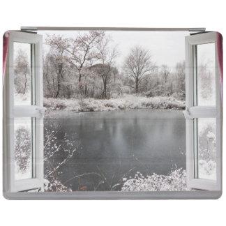 Protection iPad Belle scène congelée de lac par une fenêtre