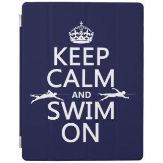 Protection iPad Gardez le calme et nagez sur (dans toute couleur)