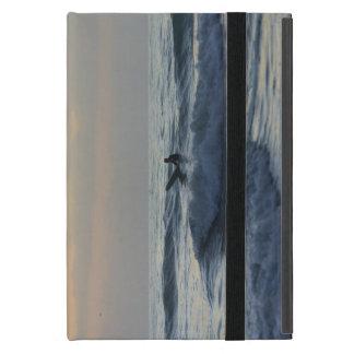 Protection iPad Mini Le surfer attend