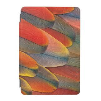 Protection iPad Mini Plan rapproché de plume d'ara d'écarlate