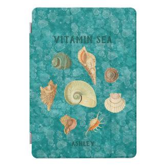Protection iPad Pro Cover La turquoise éclabousse le monogramme de coquilles