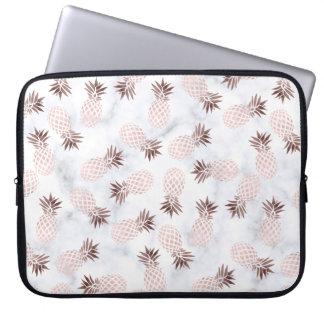 Protection Pour Ordinateur Portable ananas rose d'or de marbre blanc moderne élégant