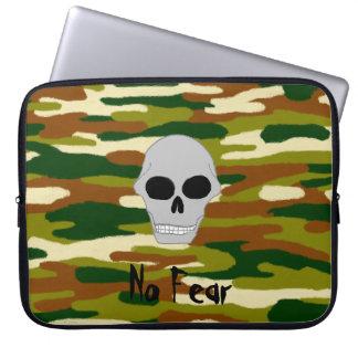 Protection Pour Ordinateur Portable Le crâne de bruns et de verts de camouflage ne