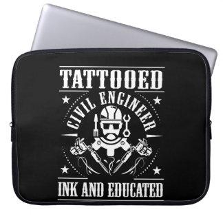 Protection Pour Ordinateur Portable L'ingénieur civil tatoué a encré instruit