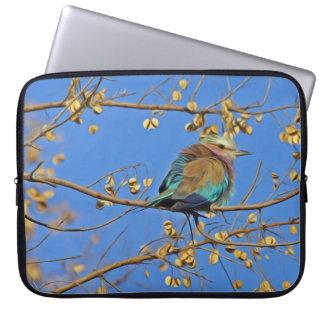Protection Pour Ordinateur Portable Petit oiseau coloré mignon sur la branche en ciel
