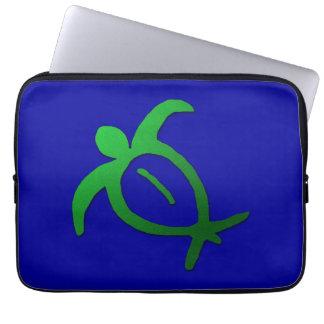 Protection Pour Ordinateur Portable Pétroglyphe hawaïenne de Honu sur le bleu