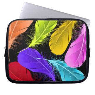 Protection Pour Ordinateur Portable Plumes colorées sauvages vives audacieuses sur le