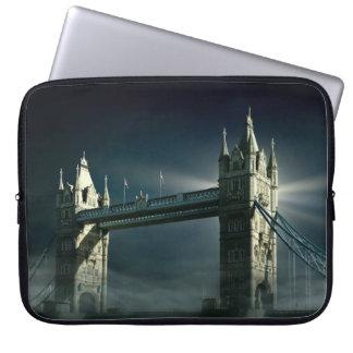 Protection Pour Ordinateur Portable Pont Londres de tour en brouillard de nuit
