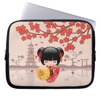 Protection Pour Ordinateur Portable Poupée rouge de Sakura Kokeshi - geisha japonais