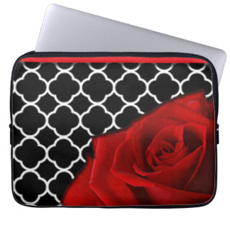 Protection Pour Ordinateur Portable Rose rouge et motif de Quatrefoil