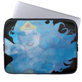 Protection Pour Ordinateur Portable Silhouette de ciel bleu de femme de merveille
