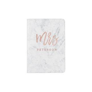 Protège-passeport Mme marbre rose de blanc de typographie d'or de